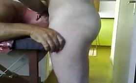 client getting to blow the masseur till he cum