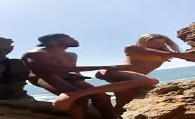 Caught Muscular black guy fucking a sexy slut he meet at the beach