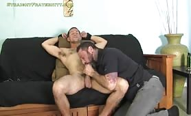 Sucking a horny muscular straight guy